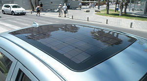 BYD F3DM - The F3DM's roof-mounted solar panels.