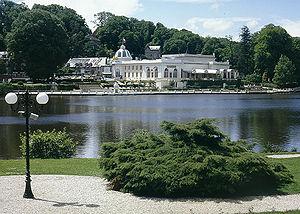 Bagnoles-de-l'Orne - Lake and casino