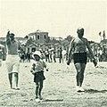 Benito e Romano Mussolini, spiaggia di Riccione 1932.jpg