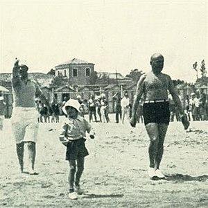 Romano Mussolini - Young Romano (center) with his father Benito (right), 1932