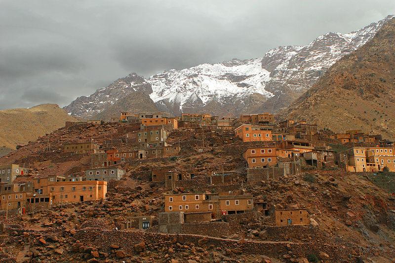File:Berber village Atlas.jpg