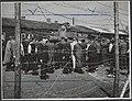 Bevrijding van het concentratiekamp te Amersfoort. Een Canadese tank is het kamp, Bestanddeelnr 512 008.jpg