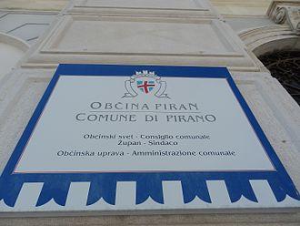 Piran - Bilingual sign in Italian and in Slovene