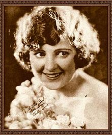 Billie Dove The Blue Book de la Screen.jpg
