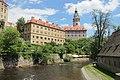 Blick von der Moldaubrücke auf die weitläufige Burganlage - panoramio.jpg