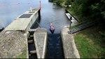 File:Bochum - Kemnader Straße - Kemnader See - Stauwehr - Bootsgasse (Stauwehrbrücke) (0) 03 ies.ogv
