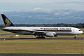 Boeing 777-212(ER), Singapore Airlines JP6847343.jpg