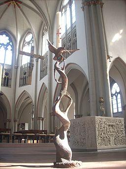 Braunschweig St Aegidien Osterleuchter Altarrraum