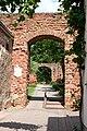 Bretzenheim Nahe, Falkenstein'sches Schloss, Durchgang für den Stephanskapellenweg.jpg