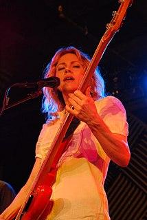 Britta Phillips Female rock singer, band member of Luna