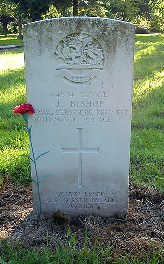 Royal Berkshire Regiment - Bromsgrove cemetery, memorial for Private Bishop