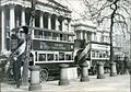 Buses in front of the National Gallery in London 1927.jpg