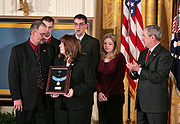 Bush presents Medal of Honor to family of Jason Dunham
