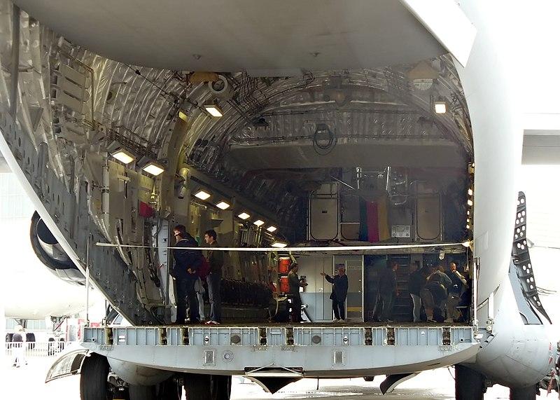 File:C-17 OtwartaRampa.jpg