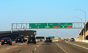 English: California State Route 55, close to t...