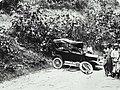 COLLECTIE TROPENMUSEUM Auto total loss na een ongeluk bij Takingeun TMnr 60023561.jpg