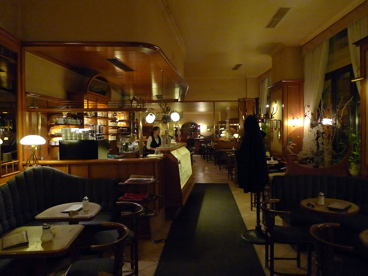 Late Night Cafes Near  Clipper Street