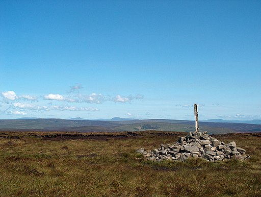 Cairn on Fair Snape Fell - geograph.org.uk - 1713383