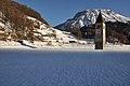 Campanile su lago ghiacciato.jpg