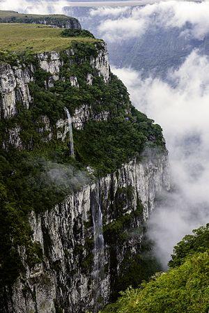 Rio Grande do Sul - Canyon in Serra Geral National Park