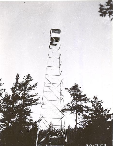 File:Cascade Lookout Tower, 10 2 1925 (5188132402).jpg