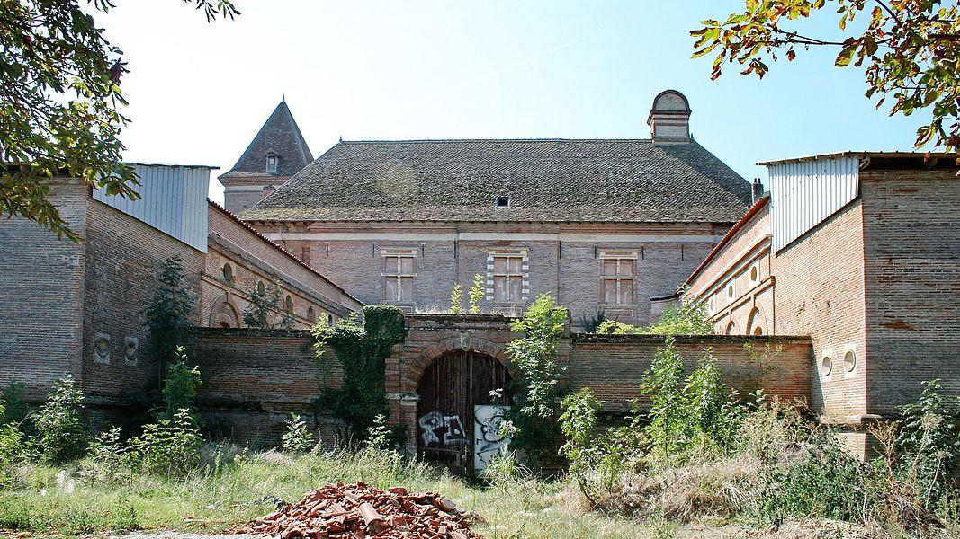 Vue d'ensemble du Château de Lacroix-Falgarde (Haute-Garonne, France).