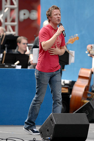 """Will Chase - Chase performs """"Desert Island Top 5 Break-ups"""" at Broadway on Broadway, September 10, 2006"""