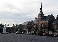 Chaulnes Place de l'Hôtel-de-ville.jpg