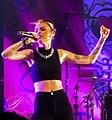 Cher Lloyd (24003665462) (cropped).jpg