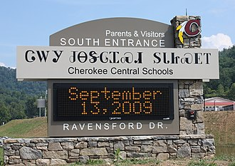 Cherokee syllabary - Sign in Cherokee, North Carolina