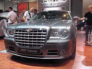 Chrysler 300C Saloon at British International Motor Show 2006.jpg