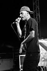 Clementino durante un live al Positive River Festival, nel 2011.