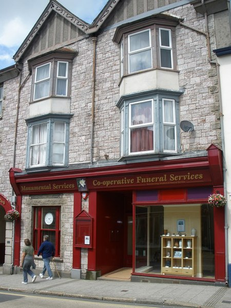 File:Co-operative Funeral Services, East Street, Okehampton - geograph.org.uk - 1421785.jpg