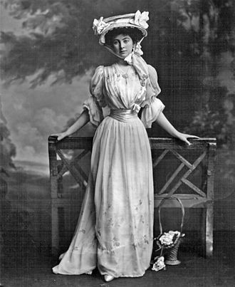 Constance Lewes - The Duchess of Westminster in 1902
