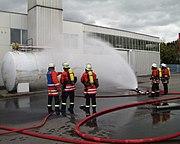 Cooling tank by water spray jet, German Feuerwehr