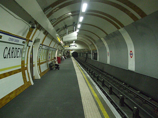 Covent Garden stn westbound look east