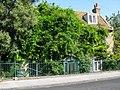 Creeper clad house on West Dumpton Lane - geograph.org.uk - 2645029.jpg