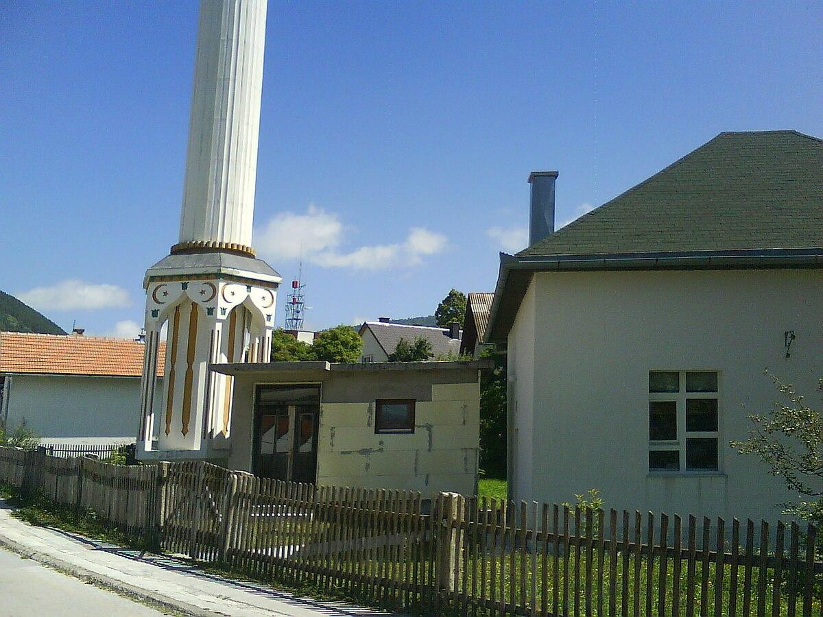 File:Džamija-Kupres01645.JPG - Wikimedia Commons