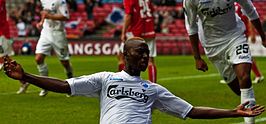 Dame N'Doye - Celebrating the Goal (cropped).jpg
