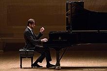 Daniil Trifonov au Carnegie Hall (37306172974) .jpg
