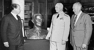 Bernard L. Austin - Image: De Weldon bust Naval War College