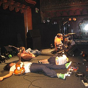 Deerhoof - Image: Deerhoof on stage