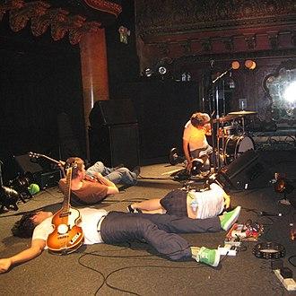 Deerhoof - Image: Deerhoof on stage