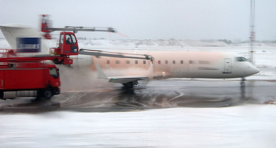 Deicing Copenhagen Airport