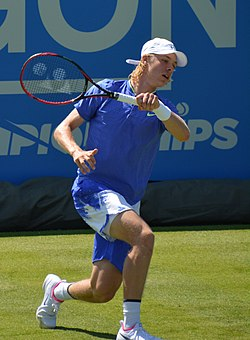 Denis Shapovalov (35228768592).jpg