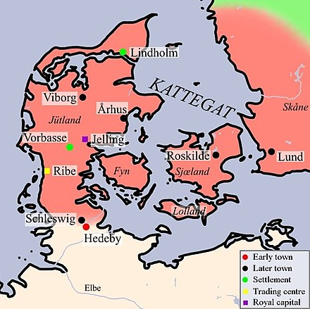 a summary of the anglo saxon epic beowulf among the danish kings These works include genres such as epic poetry, hagiography, sermons,   period include the poem beowulf, which has achieved national epic status in  britain  anglo-saxon literature has gone through different periods of research —in  overview  likewise king alfred the great ( 849– 899), wanting to restore  english.