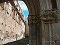 Detall de la portada i interior de l'església de la Mare de Déu dels Àngels de la cartoixa de Valldecrist.JPG