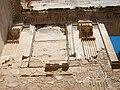 Detall dels capitells que coronen les pilastres de l'església de Valldecrist.JPG