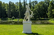 Diana of Versailles Sculpture in Oranienbaum.jpg