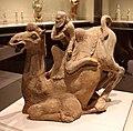 Dinastia tang, cammello e cavaliere caucasico, 700 dc ca. 01.jpg